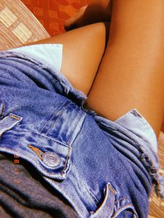 Just love this shorts so much 🔥 Girl Pictures, Girl Photos, My Photos, Girl Photography Poses, Tumblr Photography, Bff Images, Profile Pictures Instagram, Girls Foto, Snapchat Picture