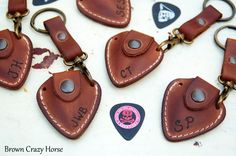 Personalized leather guitar pick holder with Initials - Include keychain & GIFT Strap - fathers day gift - guitar pick pouch
