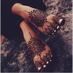 Fine Modern Henna Mehndi Designs for Legs - Fashion Modern Henna Mehndi Designs for Legs - F Dulhan Mehndi Designs, Mehandi Designs, Henna Mehndi, Henna Tatoos, Leg Mehndi, Mehndi Designs Feet, Unique Mehndi Designs, Beautiful Henna Designs, Henna Feet