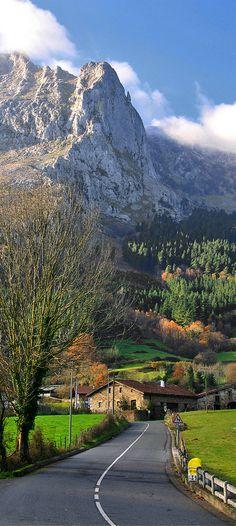 Arrazola, Comunidade Autônoma do País Basco, Espanha.  Fotografia: I. Lizarraga em Getty Images.