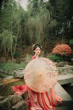 - Nữ nhân cổ trang cosplay by Phù Nguyệt Tuế Hoa - Kiều Mạt Yên Lộ