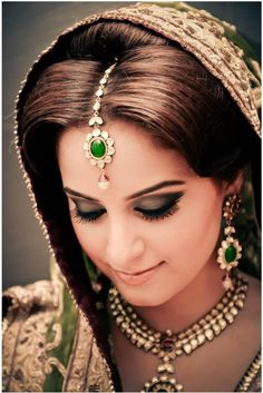eye add glamorous look to a beautiful Indian Bridal Makeup, Indian Bridal Wear, Asian Bridal, Bride Indian, Arab Bride, Indian Accessories, Bridal Accessories, Wedding Jewelry, Desi Wedding