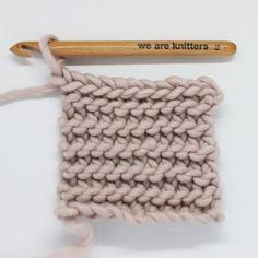 Crochet Stitches Patterns, Stitch Patterns, Knitting Patterns, Merino Wool Blanket, Garter Stitch, Diy Crochet, Crochet Projects, Lana, Diy And Crafts