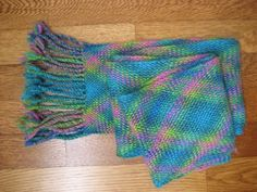 Interlaced språng peacock scarf by Kristen M. Hughes/brighthughes at ravelry.com (2 of 2)