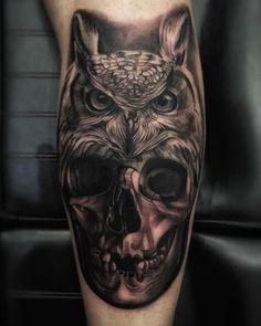 Owl & Skull tattoo by Lucio Skor