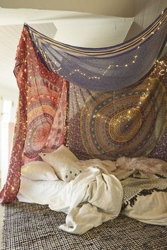 4 Steps to Build your Cozy Tapestry Canopy