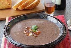 Быстрый Суп из черной фасоли с беконом и хересом