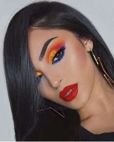 Gorgeous Golden Makeup Look 2018 - Makeup Looks Dramatic Makeup Looks 2018, Makeup Eye Looks, Cute Makeup, Gorgeous Makeup, Glam Makeup, Makeup Inspo, Makeup Hacks, Makeup Inspiration, Beauty Makeup