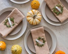 Use rosemary to create a unique place card for your Thanksgiving table. Find more Thanksgiving decorating ideas here. Thanksgiving Table Settings, Diy Thanksgiving, Thanksgiving Decorations, Christmas Decorations, Table Decorations, Holiday Fun, Holiday Crafts, Holiday Decor, Holiday Ideas