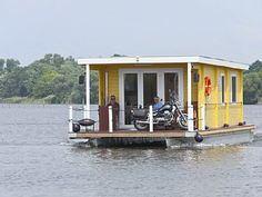 Photos and Description of the Brandenburg an der Havel vacation house boat rental
