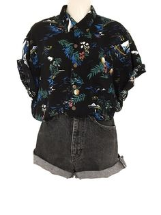Mein True Vintage Hawaii Hemd Hipster Oversize Style Ananas Blumen Muster Schwar… My True Vintage Hawaii Shirt Hipster Oversize Style Pineapple Floral Pattern Black Colorful from true vintage. Look at it: www. Edgy Outfits, Grunge Outfits, Cute Casual Outfits, Fashion Outfits, Office Outfits, Vintage Outfits, Retro Outfits, Outfit Elegantes, Looks Hip Hop