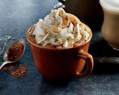 Самый осенний напиток, который ждут все фанаты Starbucks круглый год, можно приготовить и в домашних условиях.