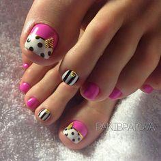 Photo Pedicure Nail Designs, Pedicure Nail Art, Toe Nail Designs, Toe Nail Art, Pretty Toe Nails, Cute Toe Nails, Fancy Nails, Trendy Nails, Diy Nails