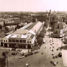 La Gare de la Bastille, Paris, 1958.La gare de la Bastille ou gare de Paris-Bastille est une ancienne gare parisienne, ouverte de 1859 à 1969, origine de la ligne reliant Paris à Verneuil-l'Étang, appelée « ligne de Vincennes » pour indiquer que sa construction avait été contemporaine de celle du fort de Vincennes. Elle fut détruite en 1984. Ne subsistent que les anciennes voies sur viaduc (coulée verte).