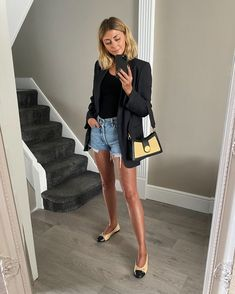 Navy Shorts Outfit, Blazer Outfits For Women, Summer Shorts Outfits, Blazer And Shorts, Spring Outfits Women, Denim Shorts, Summer Blazer, Autumn Outfits, Casual Outfits