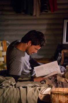 always imagined this would be where jake was reading those emails/cards/letters over and over again during the month and a half away from B