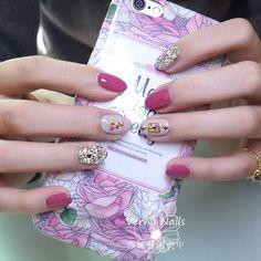 #nail #nails #nailart #gel #gelnail #nailsalon #gel #vermanails #naildesign Happy Girls, Beauty Nails, Fun Nails, Nail Colors, Manicure, Nail Designs, Nail Polish, Nail Art, Colorful Nail