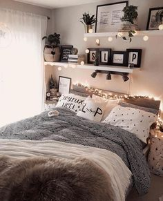 Home Decor Themes 43 cute and girly bedroom decorating tips for girl 39 - -.Home Decor Themes 43 cute and girly bedroom decorating tips for girl 39 - - Modern Bedroom Decor, Cozy Bedroom, Decor Room, Home Decor, Contemporary Bedroom, Design Bedroom, Bedroom Loft, Classy Bedroom Ideas, Bedroom Neutral