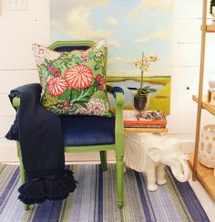 Saturday night lounging.  Grab a cozy throw and your favorite book. It's time to find your happy place and enjoy the weekend! #tfssi #stsimonsisland #seaisland #navy #green #elephant #happyplace #prettythings #ihavethisthingwithcolor #stripe #decorate #design #style @annieselke @laura_lloyd_fontaine @katespadeny