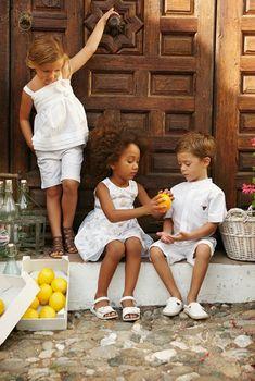 **LOSAN KIDS** Presente en muchas de las ferias de moda más importantes a nivel internacional, como en la CBME de Estambul que es...