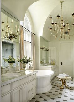 Opulent Master Bathroom With Dramatic Architecture. Photographer: Tria  Giovan, Triagiovan.