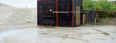 53/24 Frohe Weihnachten - auch am Strand ist ein besinnliche Stimmung eingetreten.  https://readymag.com/wienfreiland.cc/ortsbestimmung/5/  Text: Bellycapelli Scharl and Julia Warner Photo: Schreyer David Bildkunst Plattform: Readymag — hier: Fão, Braga, Portugal.