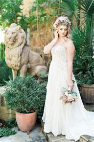 Florence wedding gown by Wtoo found at The Blushing Bride boutique. Credits: @brummettvisuals  @natyissa  @diannefrance  Wtoo by Watters wedding gown; Styling by Shana Lepsis.