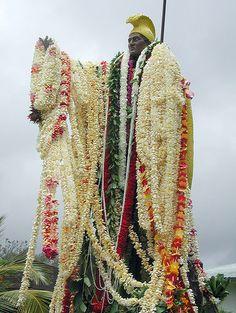 King Kamehameha this is the Big Island of Hawaii statue, which was the original. Aloha Hawaii, Hawaii Life, Hawaii Vacation, Hawaii Travel, Dream Vacations, Voyage Hawaii, All About Hawaii, King Kamehameha, Wanderlust
