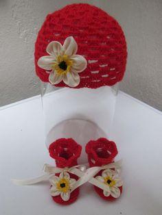 Cappellino e scarpe bimba/neonata uncinetto. Calzature e cappello neonata .