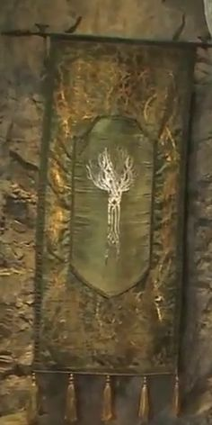 Mirkwood banner in Thranduil's chambers