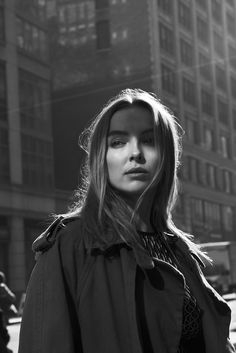 Black and white photograph of Jodie Comer 2017 for MONROWE Magazine. Black and white photograph of Jodie Comer 2017 for MONROWE Magazine. Black And White Girl, Black And White Aesthetic, Black And White People, Black And White Portraits, Black And White Photography, Five Jeans, The White Princess, Foto Fashion, Jodie Comer