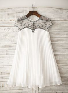 A-Line/Princess Knee-length Flower Girl Dress - Chiffon Short Sleeves Scoop Neck With Rhinestone