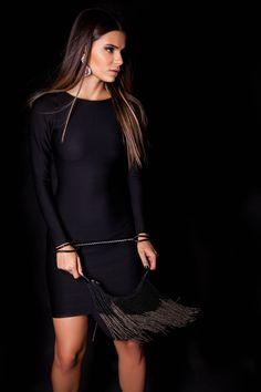Vestido Bandagem e Bolsa Miçanga de Franjas.  #lançamentogaia #gaia #linhafesta #inverno15 #bandagem #vestidobandagem #dresstoimpress #fashion #ootn #modamineira #lavibh