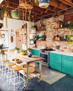 Kitchen Interior, Kitchen Remodel, Boho Kitchen, House Interior, Home Kitchens, Kitchen Style, Kitchen Tops, Boho Style Kitchen, Kitchen Design
