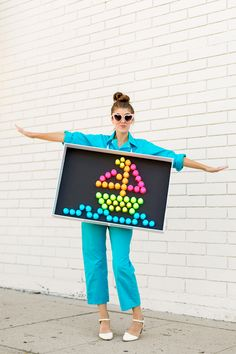 How to Make a Lite Brite Costume Fröhliches Halloween, Homemade Halloween Costumes, Family Halloween Costumes, Holidays Halloween, Ghost Costumes, Vintage Halloween, Zombie Costumes, Halloween Couples, Group Halloween