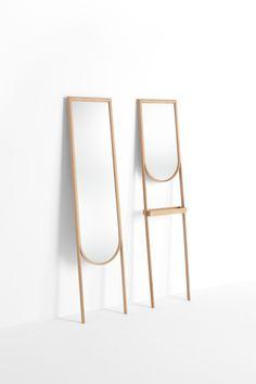 splinter_mirror / 一本の木が裂けたような木製家具