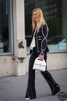 We trace the best fashion moments from the New York Fashion Week street style set. Street Style 2016, Street Chic, Street Beat, Fashion Week, Fashion Pants, Style Fashion, Fashion Ideas, Ada Kokosar, Holiday Party Outfit