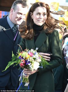 Kate Middleton, Duchess of Cambridge recycles a green MaxMara coat in Edinburgh | Daily Mail Online