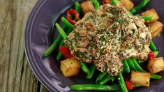 Yum! This tasty Rachael Ray recipe, Za'atar Chicken with Garlicky Pan-Roasted Potatoes and Green Beans is a family meal homerun!
