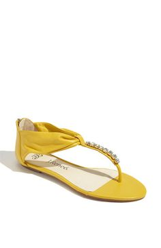 These are cute yellows! They come in orange too!