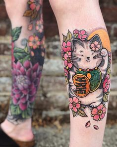 snagged this Maneki-neko flash I posted for today and I love how it looks with her other tattoos. Asian Tattoos, Sexy Tattoos, Body Art Tattoos, Tattoos For Women, Tattoos For Guys, Cool Tattoos, Circle Tattoos, Japanese Tattoos For Men, Japanese Tattoo Symbols