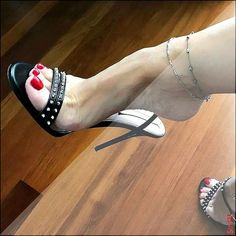 high heels – High Heels Daily Heels, stilettos and women's Shoes Stilettos, Stiletto Heels, Pumps, Sexy Legs And Heels, Hot High Heels, Beautiful High Heels, Gorgeous Feet, Feet Soles, Women's Feet
