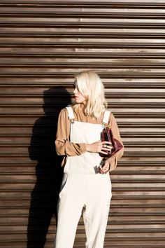 This dungaree look is just gorgeous! Find a white dungaree here: http://asos.do/J7WLhN