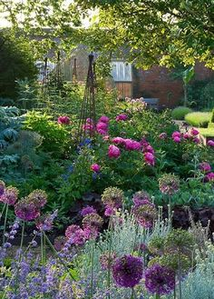 Judy's Cottage Garden: How to Plan a Cottage Garden - I keep posting these beautiful gardens under things I love because there is no chance of me ever growing them!