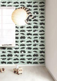 Behang voorjongens met snelle voertuigen, Groen   Vliesbehang   146,1 x 280 cm