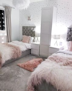 The Best in Teen Bedroom Design and Decor! – Kids Decorating Ideas The Best in Teen Bedroom Design and Decor! The Best in Teen Bedroom Design and Decor! Romantic Bedroom Decor, Cute Bedroom Ideas, Room Ideas Bedroom, Small Room Bedroom, Dorm Room Designs, Teen Bedroom Designs, Twin Girl Bedrooms, Girls Bedroom, Teen Shared Bedroom