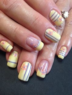 Mellow yellow by veeahsworld from Nail Art Gallery