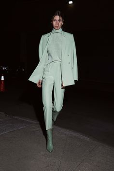 Sally LaPointe Pre-Fall 2020 Collection - Vogue The complete Sally LaPointe Pre-Fall 2020 fashion show now on Vogue Runway. 2020 Fashion Trends, Fashion Week, Fashion 2020, Look Fashion, Runway Fashion, Winter Fashion, Vogue Fashion, Fashion Styles, Christmas Fashion