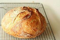 Homemade no knead bread recipe Knead Bread Recipe, No Knead Bread, Pan Bread, Recipe Adjuster, Bread Recipes, Cooking Recipes, Cooking Bread, Kolaci I Torte, Rustic Bread