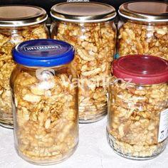 Fotografie receptu: Zavařené vlašské ořechy